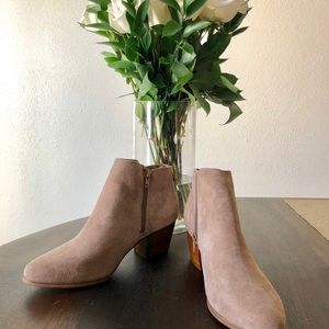 Brand new Sole Society River ankle booties